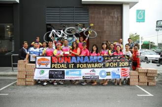 Pedal it Forward Ipoh ride where we donated money and food for charity - Pic credit Kental FC