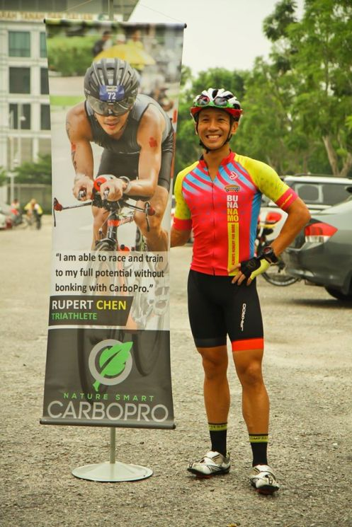 Posing by myself with CarboPro banner - Photo credit Fendy Ahmad