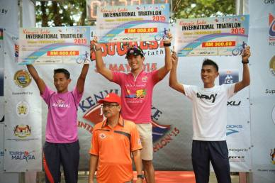 Winning at Kenyir Triathlon in 2015, the race where I did my first triathlon back in 2009 - Photo credit Fendy Ahmad
