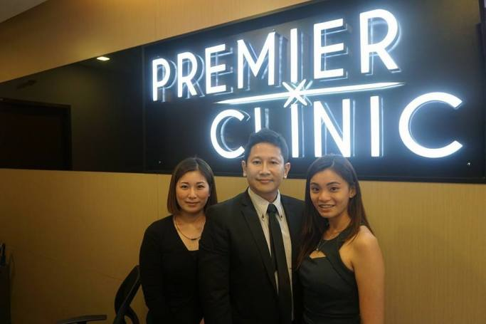 Dr. Chen, founder of Premier Clinic with the staffs - Photo credit Premier Clinic