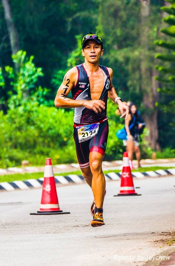 Jakroo 2 piece trisuit, suitable for long distance racing - Photo credit Joy Chow-2