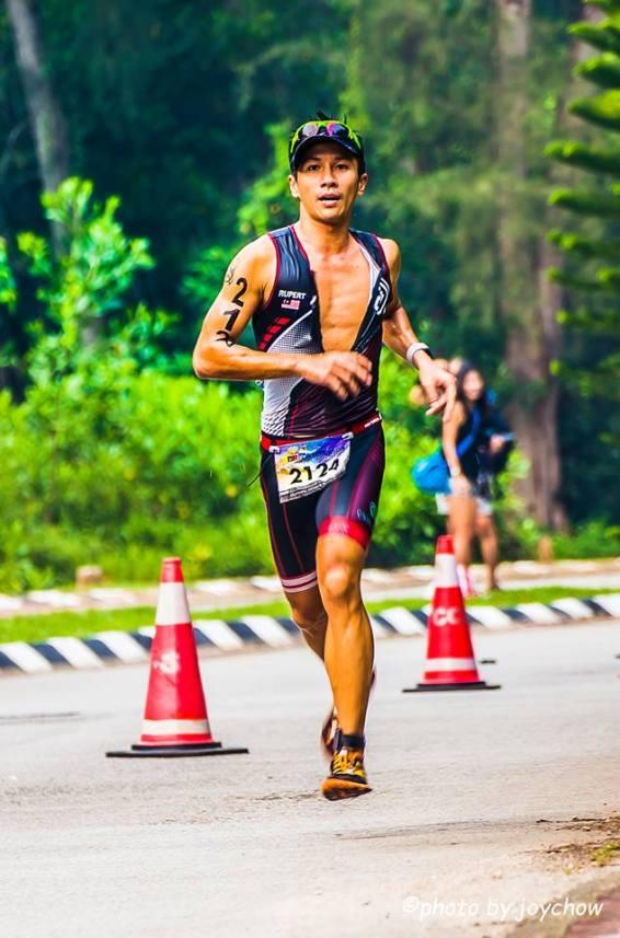 Jakroo 2 piece trisuit, suitable for long distance racing - Photo credit Joy Chow-2